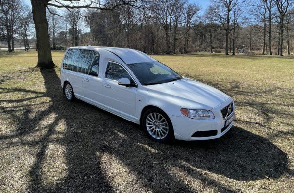 Beg. Nilsson V70 Begravningsbil